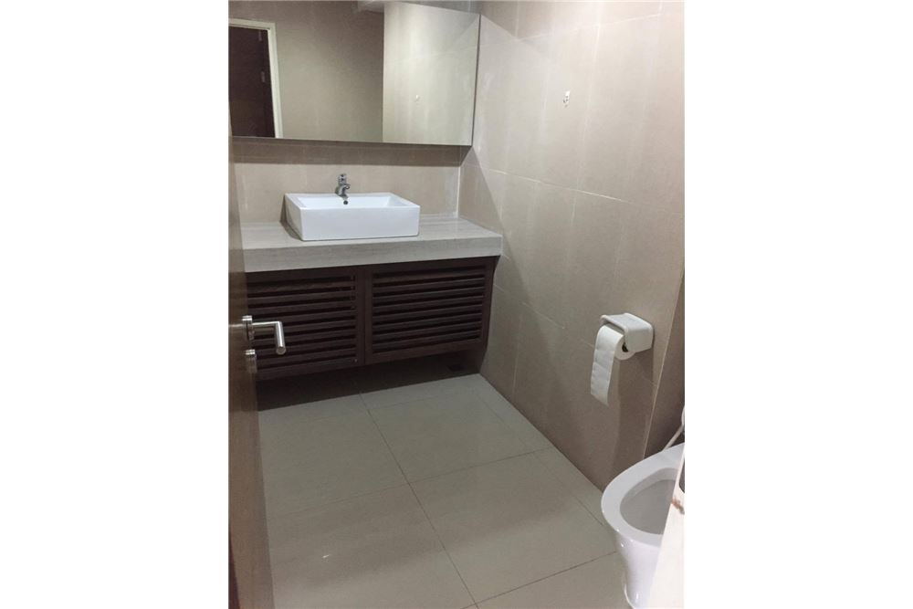RE/MAX Executive Homes Agency's Condo for rent near BTS Thong Lo 180 sqm 8