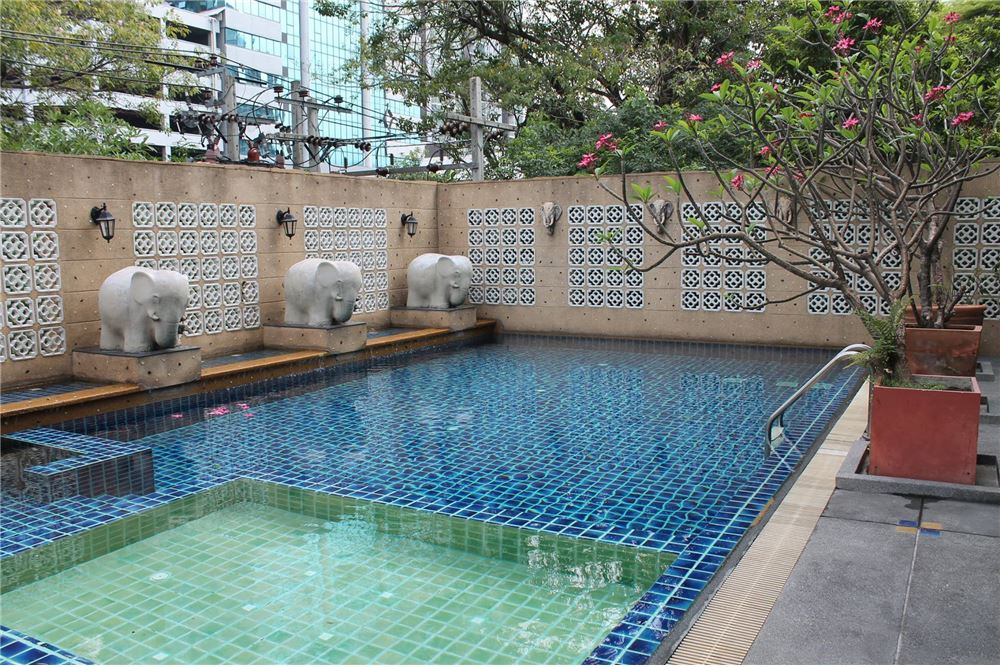 RE/MAX Executive Homes Agency's Apartment for rent / 3 Bedrooms in Sathorn Area 13