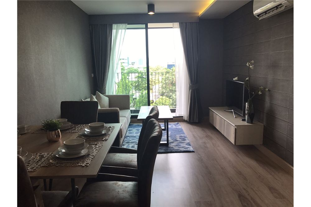 RE/MAX Executive Homes Agency's 2 Bedroom for Sale at The Unique Sukhumvit 62/1 1