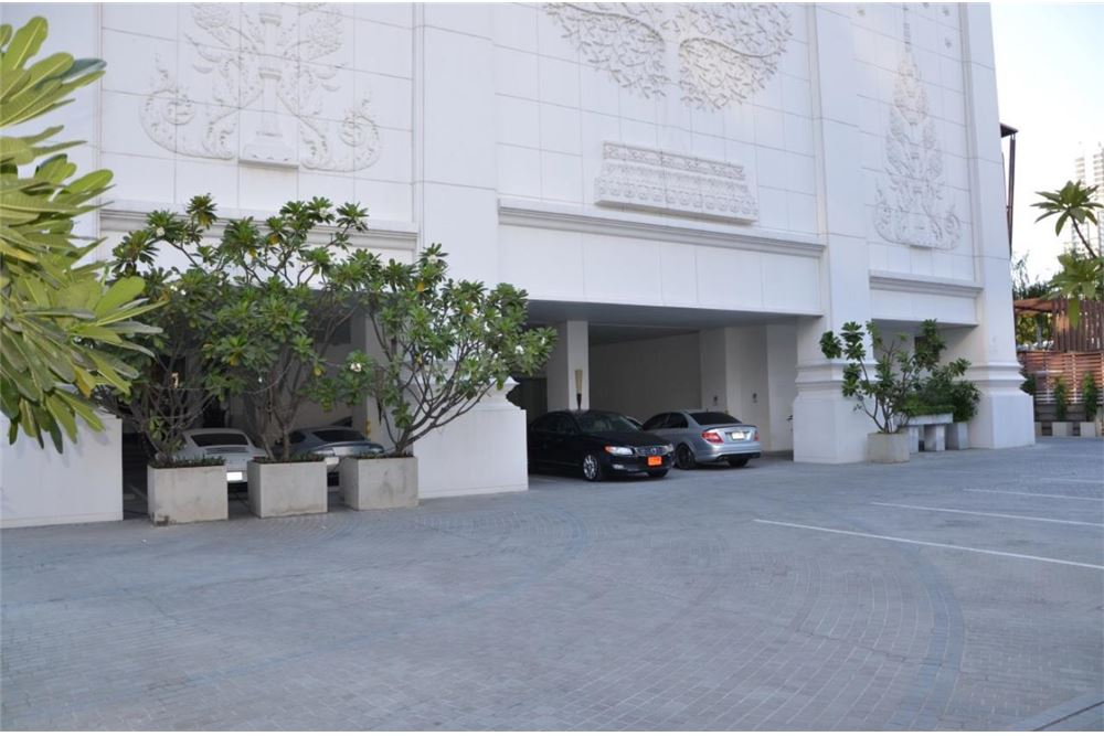 RE/MAX Properties Agency's FOR SALE  LE  RAFFINE SUKHUMVIT 39   2BED 237SQM 22