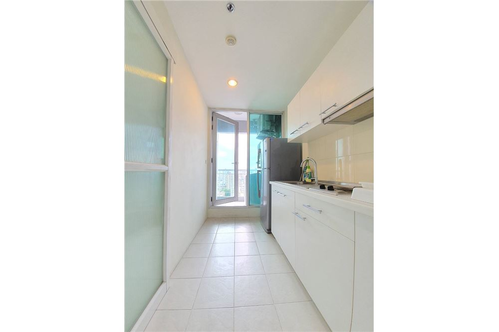 RE/MAX Executive Homes Agency's For Sale​ Life ratchada - huaykwang 40
