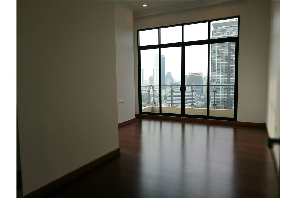 RE/MAX Executive Homes Agency's 4 Bedroom for Rent Supalai Elite Sathorn 4