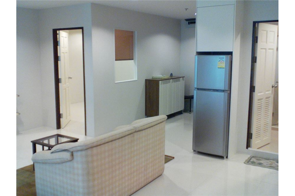 RE/MAX Properties Agency's For RENT 2 BEDROOMs at Sukhumvit Living Town 4
