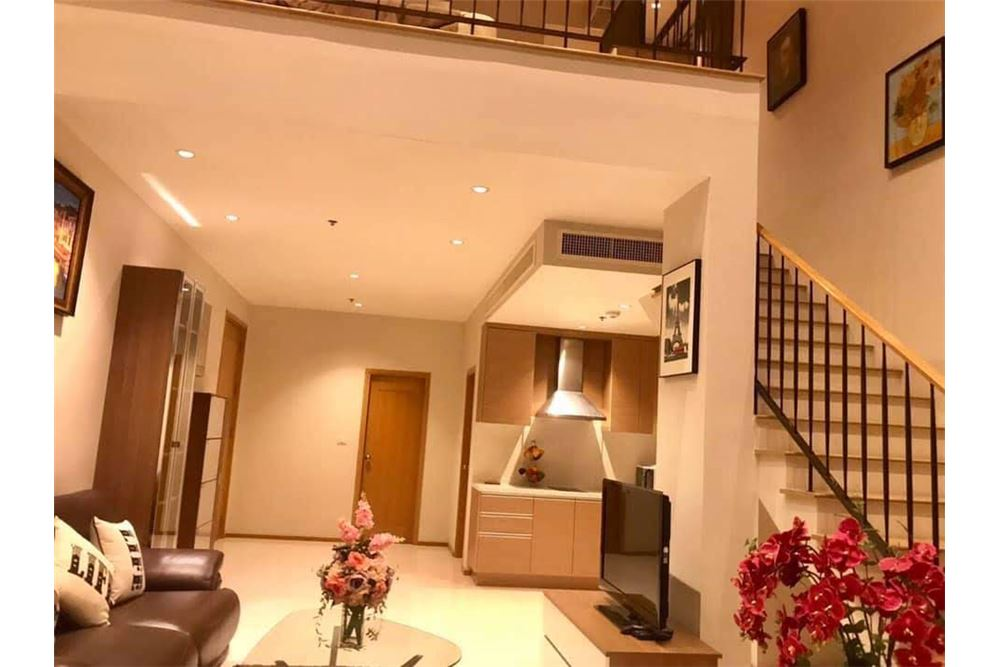 RE/MAX Properties Agency's The Emporio Place Duplex 1Bed 85 Sqm 4