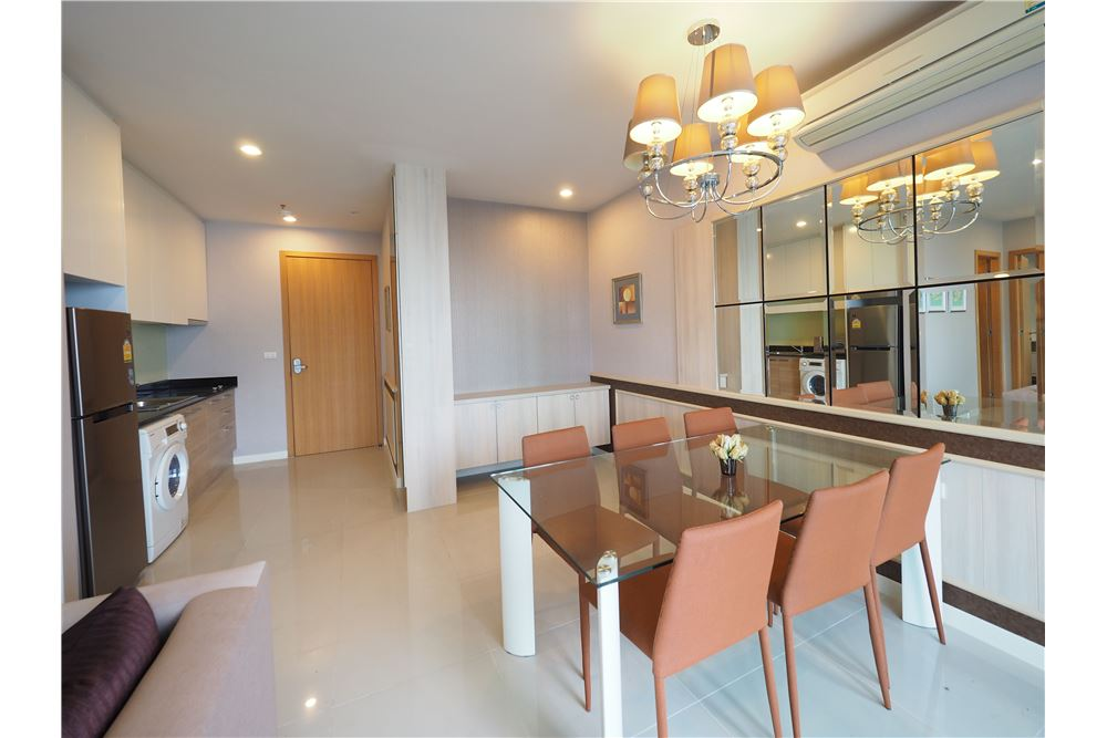 RE/MAX Properties Agency's RENT Circle Condominium 2BED 92.9SQM. 4