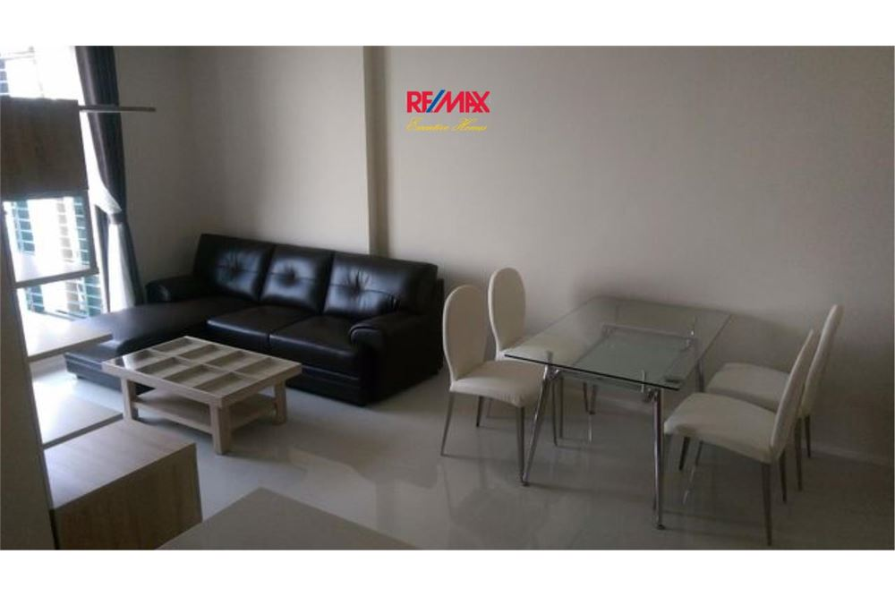 RE/MAX Executive Homes Agency's Villa Asoke 1 Bedroom for Rent Near BTS & MRT 1