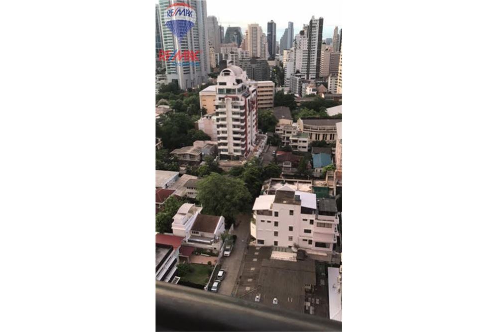 RE/MAX Properties Agency's FOR RENT AGUSTON SUKHUMVIT 22 55 SQM 1 BED 15