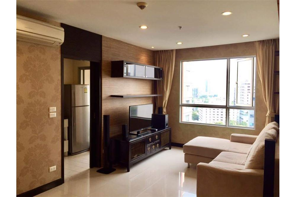 RE/MAX Executive Homes Agency's Spacious 1 Bedroom for Rent Condo One X 1