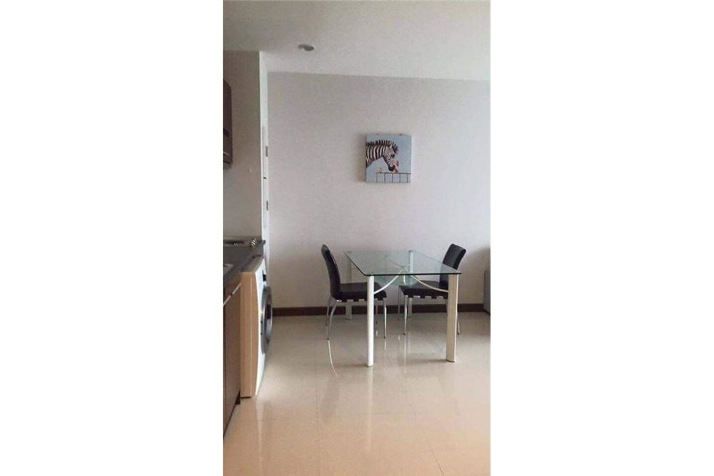RE/MAX Properties Agency's for rent 1bedroom Vista Garden 11
