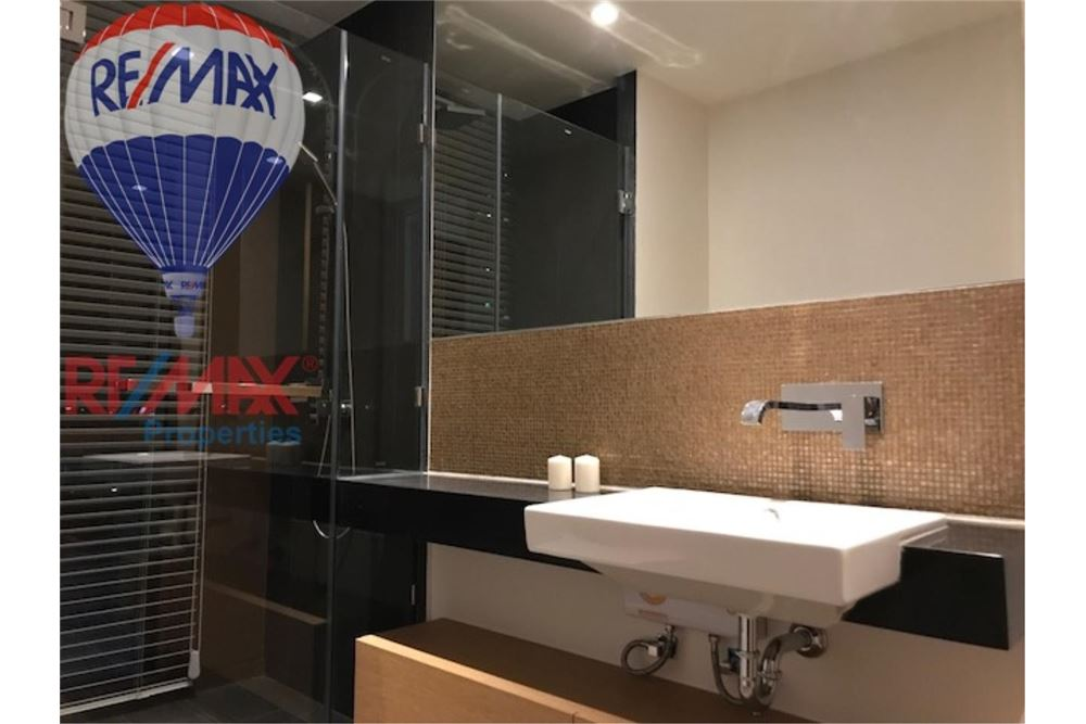RE/MAX Properties Agency's FOR RENT THE LOFTS EKKAMAI 2BED 61SQM 3