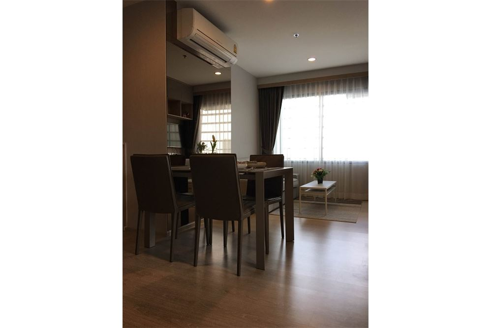 RE/MAX Executive Homes Agency's Rhythm Asoke II beautiful few rooms available for 8
