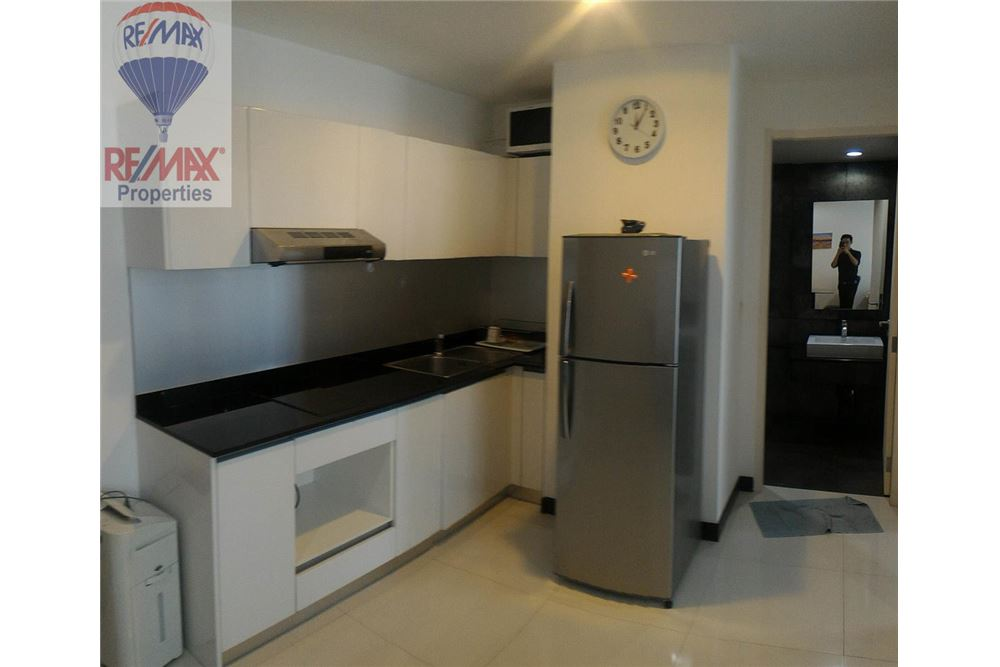 RE/MAX Properties Agency's FOR RENT Voque Sukhumvit 16 1BED 40SQM. 17