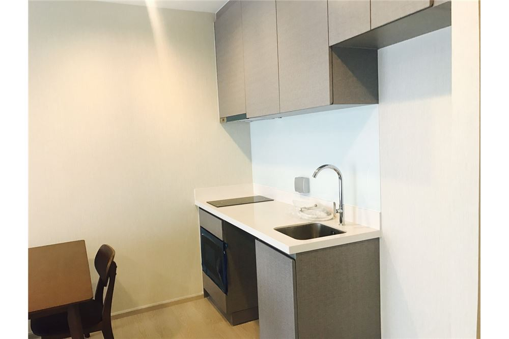 RE/MAX Executive Homes Agency's Rhythm Sukhumvit 36-38 / Studio / for Rent 5