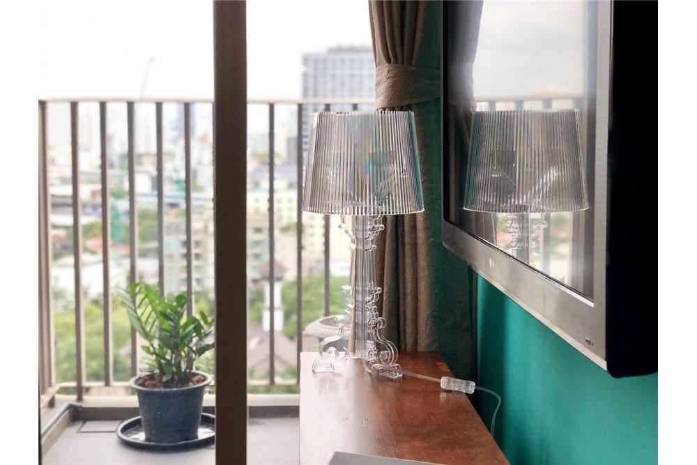 RE/MAX Executive Homes Agency's Stylish 1 Bedroom Duplex for Rent Ashton Morph 38 9