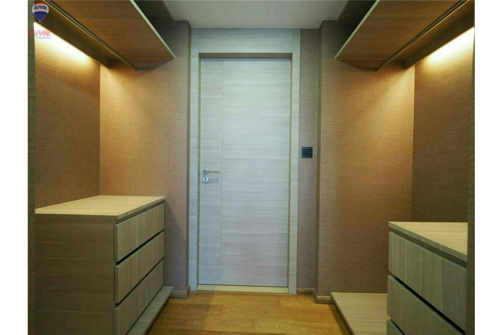 RE/MAX Properties Agency's FOR RENT  KLASS CONDO LANGSUAN  2BED 72.1SQM 11