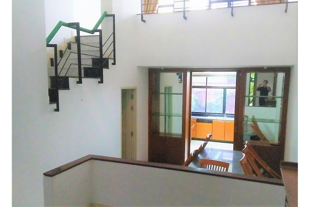 RE/MAX Executive Homes Agency's 4 Bedrooms Townhouse For Rent in Sukhumvit 71 9