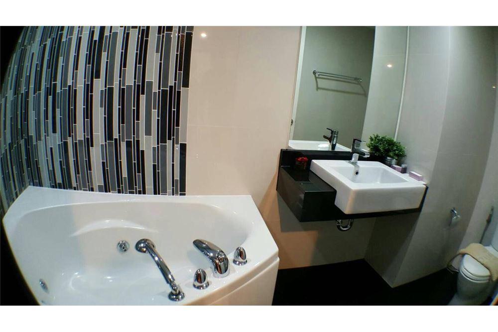 RE/MAX Properties Agency's Bangkok Feliz Sukhumvit 69 Condos for rent 6