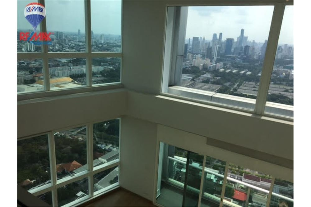 RE/MAX Properties Agency's FOR SALE MILLENNIUM RESIDENCE 313 sqm DUPLEX 9