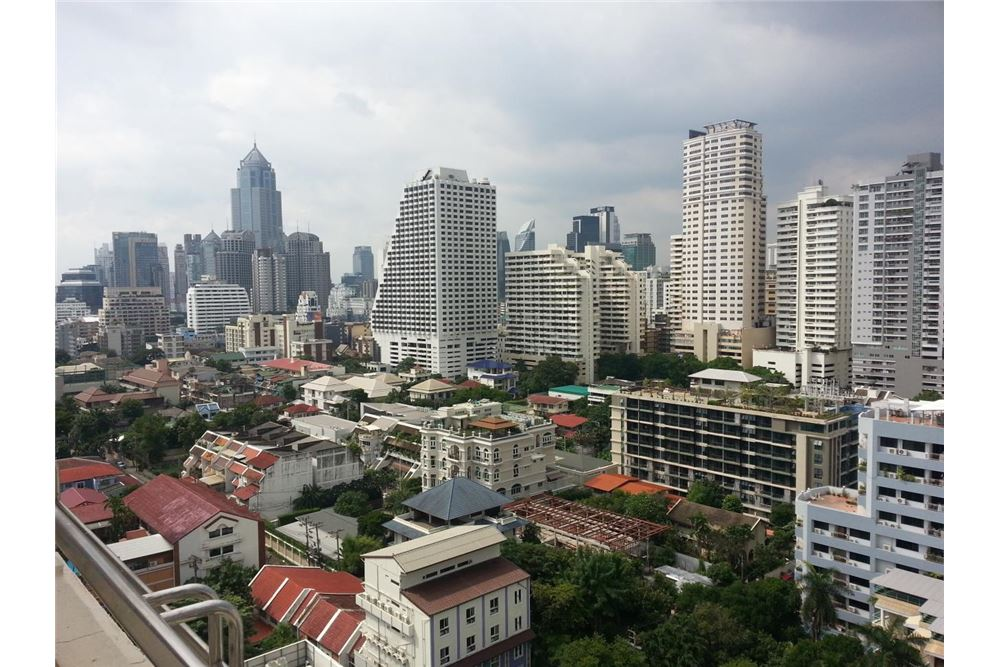 RE/MAX Executive Homes Agency's Apartment for rent  / 3 Bedrooms in sukhumvit Area 11