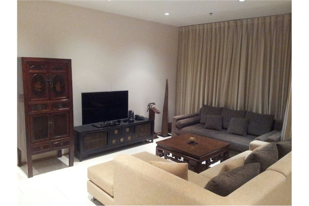 RE/MAX Executive Homes Agency's The Emporio Place / 2 Bedrooms / For Rent 10