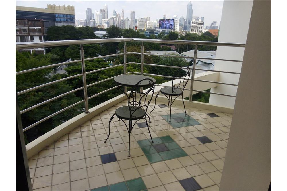 RE/MAX Executive Homes Agency's Apartment 3 Bedrooms For Rent in Sathorn area 9