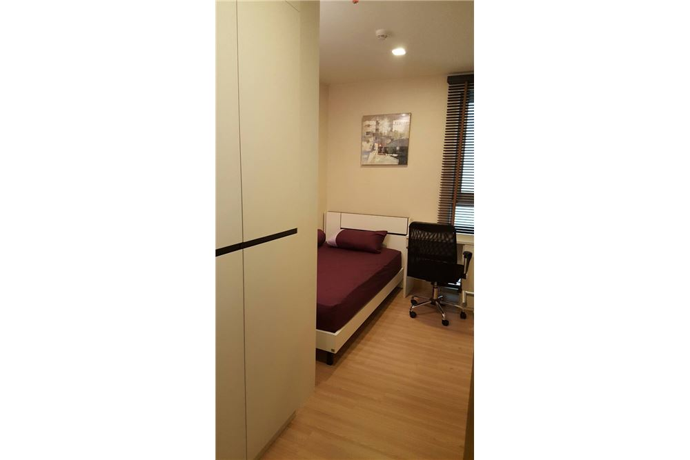 RE/MAX Executive Homes Agency's Nice 2 Bedroom for Rent Skywalk Condo 3