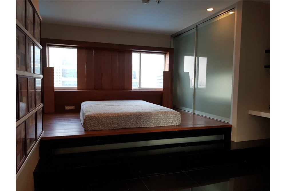 RE/MAX Executive Homes Agency's Nice 2 Bedroom for Sale Grand Park View Asoke 1