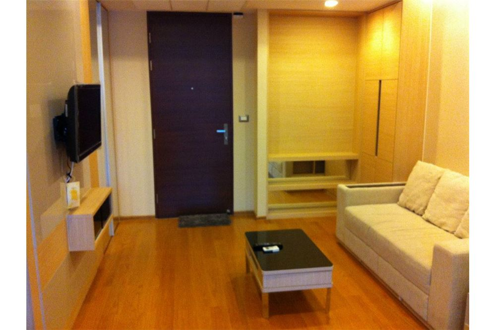 RE/MAX Executive Homes Agency's Nice 1 Bedroom for Sale Address Asoke 1