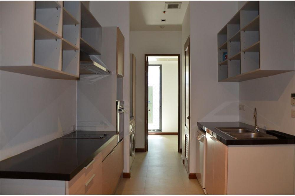 RE/MAX Properties Agency's FOR SALE  LE  RAFFINE SUKHUMVIT 39   2BED 237SQM 11