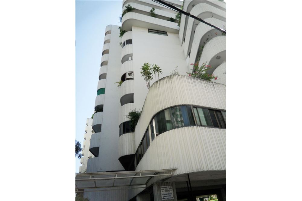 RE/MAX Properties Agency's FOR RENT PREMIER CONDOMINIUM  2BED 121SQM 4