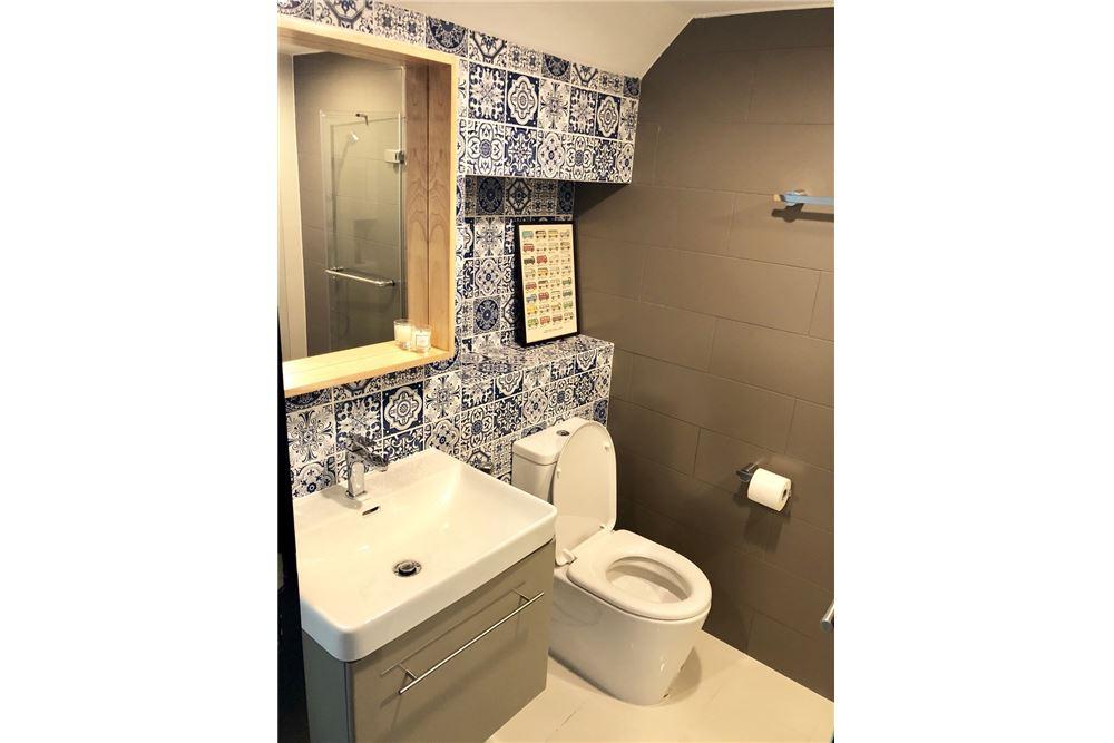 RE/MAX Executive Homes Agency's Stylish 1 Bedroom Duplex for Rent Ashton Morph 38 16