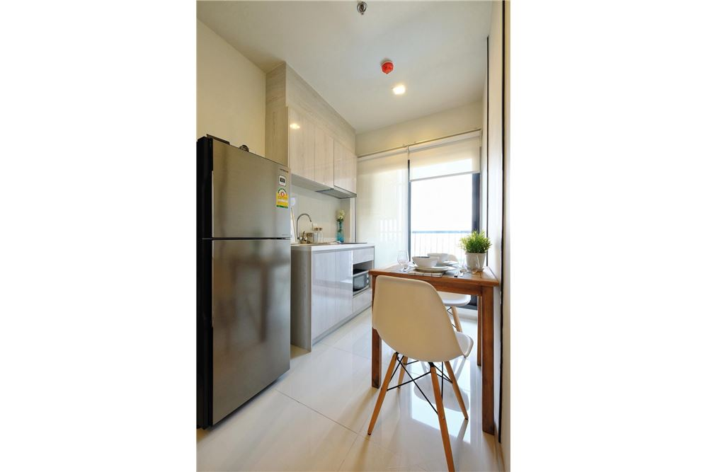 RE/MAX Properties Agency's brand new 1bedroom for rent Life Sukhumvit 48 9