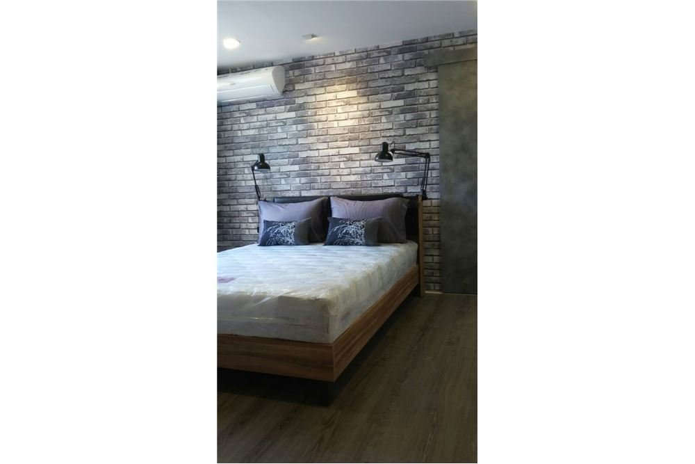 RE/MAX Properties Agency's FOR RENT  Beverly Tower Condo 2BED 75SQM 1