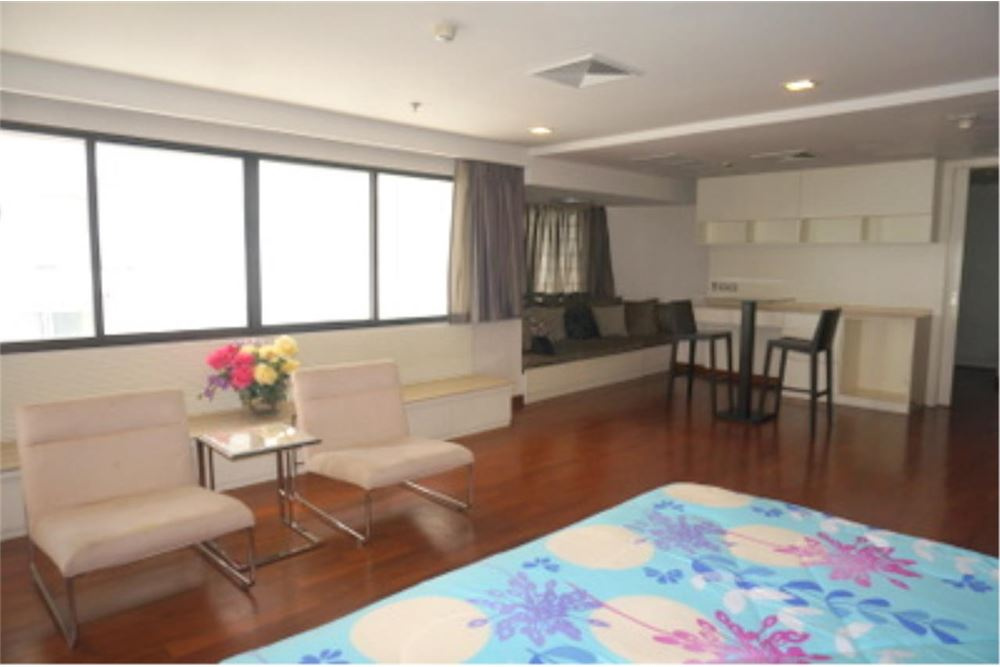 RE/MAX Properties Agency's FOR RENT  LE  RAFFINE SUKHUMVIT 24   2BED 370SQM 17