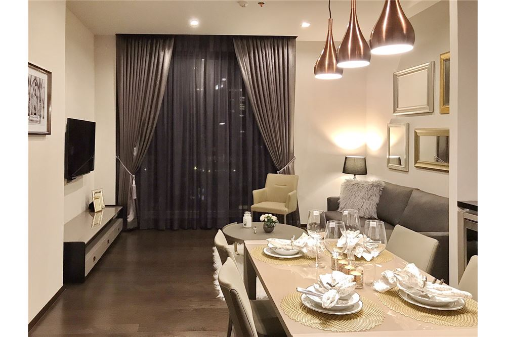 RE/MAX Executive Homes Agency's 1 Bedroom /  SALE WITH TENANT  / XXXIX by S 5