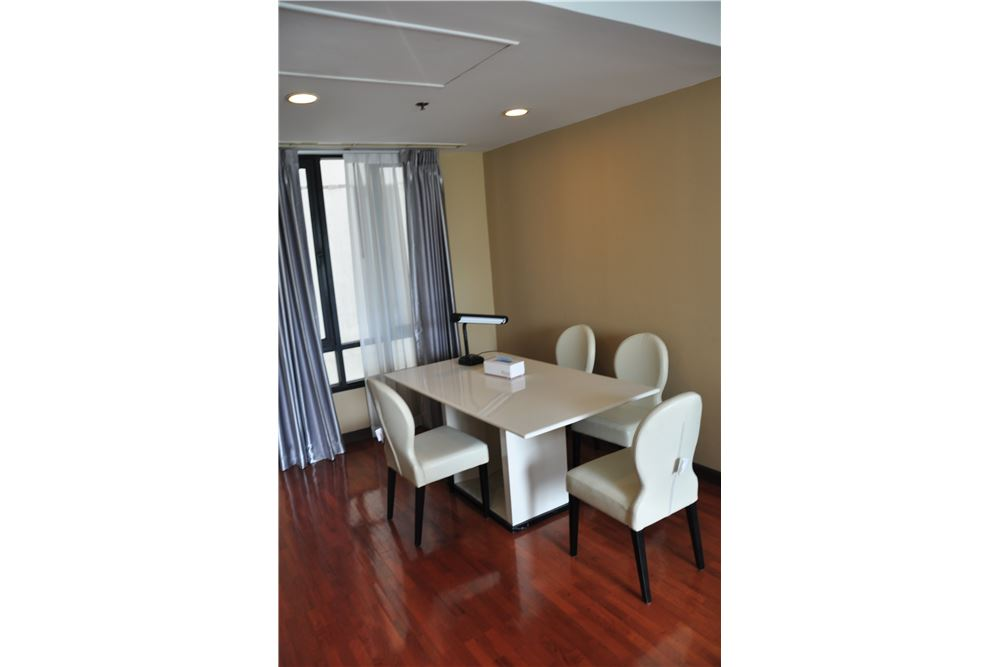 RE/MAX Properties Agency's RENT Baan Piya Sathorn 2 Bedroom 91SQM. 4