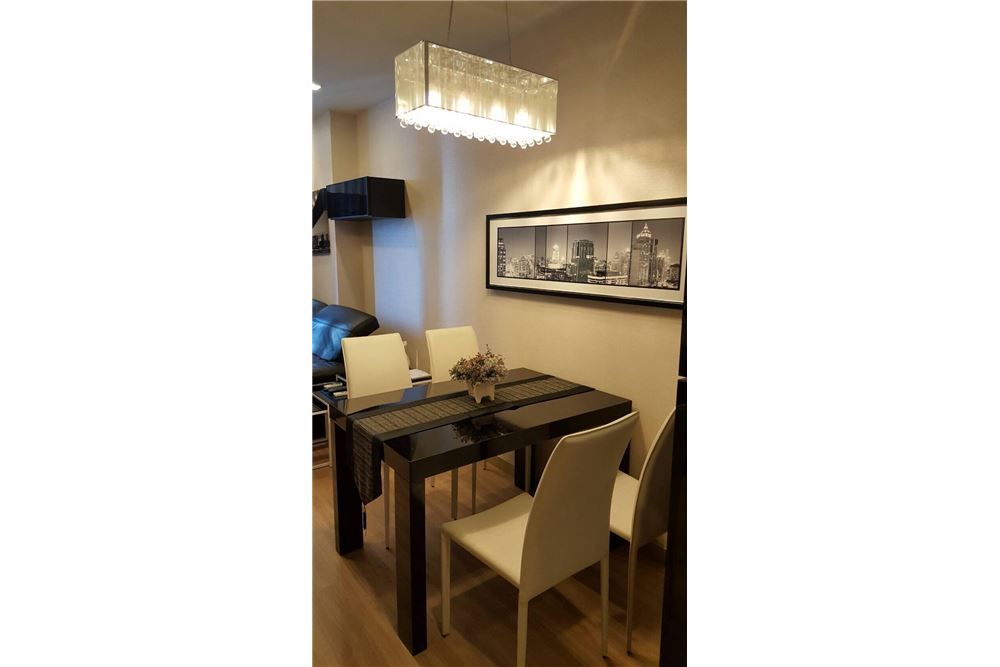 RE/MAX Executive Homes Agency's Nice 2 Bedroom for Rent Skywalk Condo 8