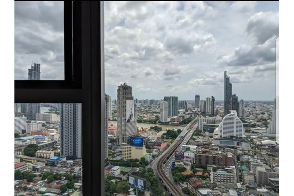 RE/MAX Executive Homes Agency's Spacious 1 Bedroom for Sale Bangkok Sathorn 6