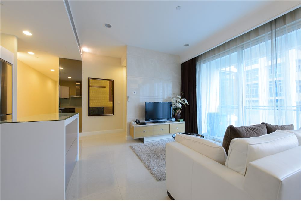 RE/MAX Executive Homes Agency's Q House Langsuan Nice 2 Bedrooms For Rent Near BTS 8