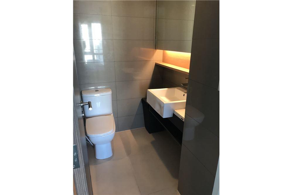 RE/MAX Properties Agency's Sale 1bedroom 15 Sukhumvit Residences 10