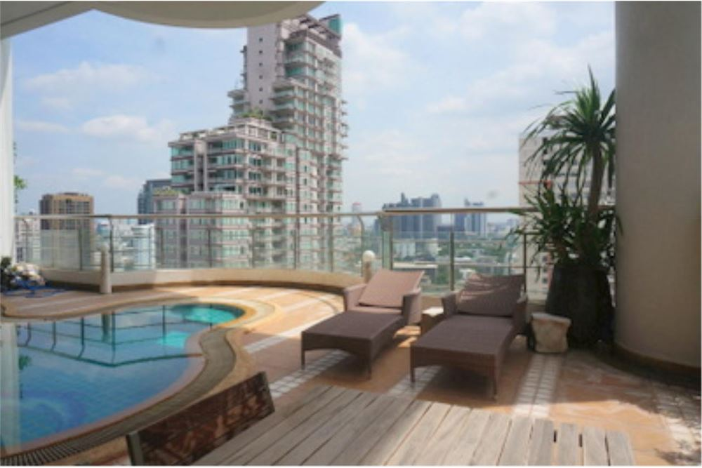 RE/MAX Properties Agency's FOR RENT  LE  RAFFINE SUKHUMVIT 24   2BED 370SQM 11