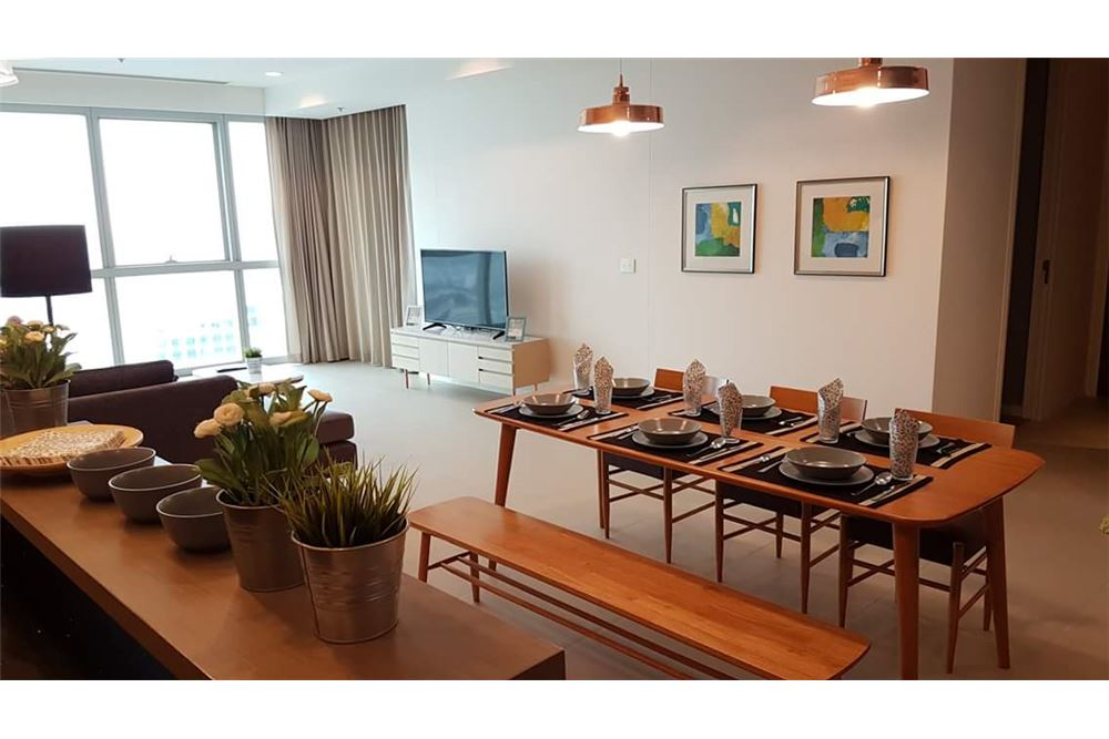 RE/MAX Executive Homes Agency's Spacious 3 Bedroom for Rent The River 9