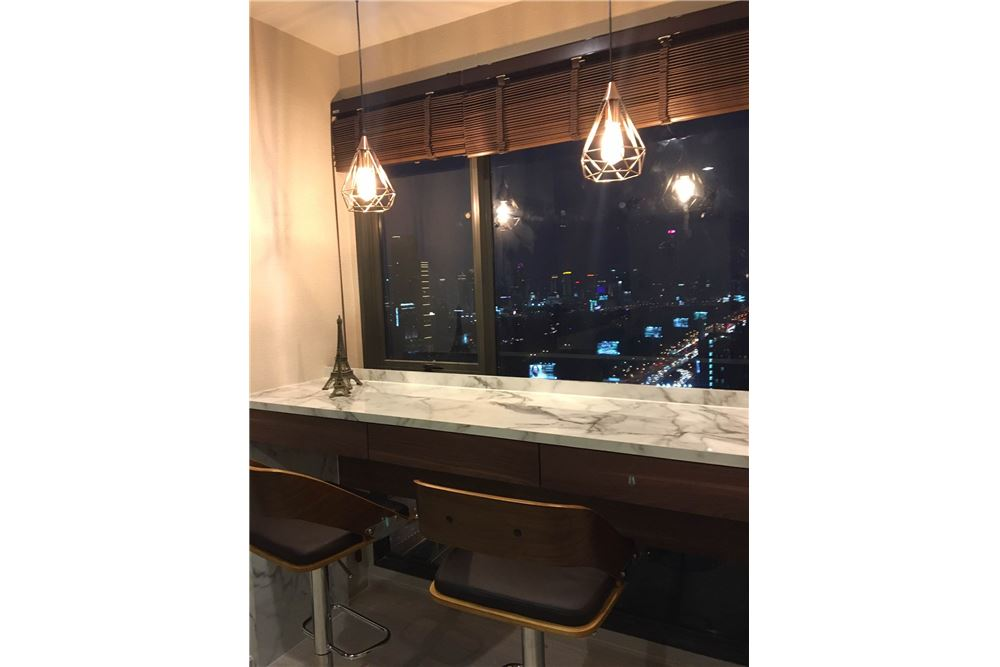 RE/MAX Properties Agency's Brand new 1 Bedroom for rent Rhythm Asoke 3
