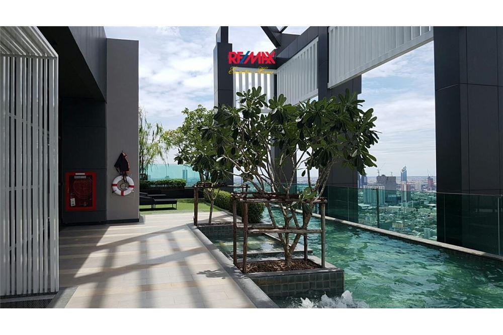 RE/MAX Executive Homes Agency's Condominium for rent - Sathorn 6