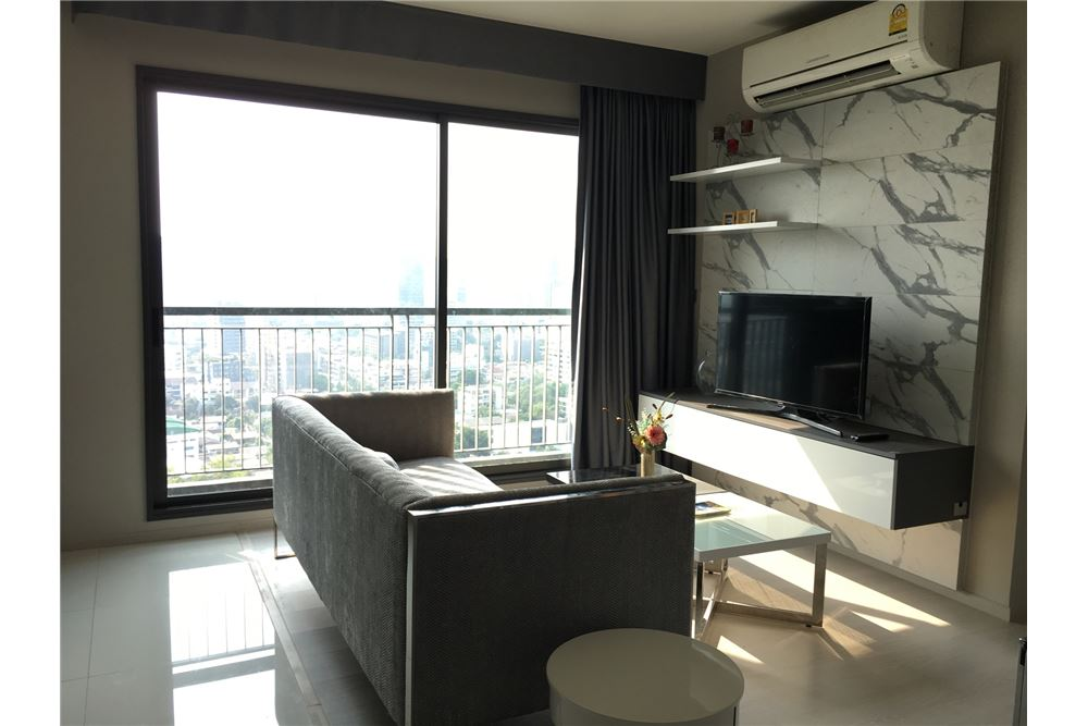 RE/MAX Properties Agency's RENT Rhythm Sukhumvit 36-38 1BED 41SQM. 3