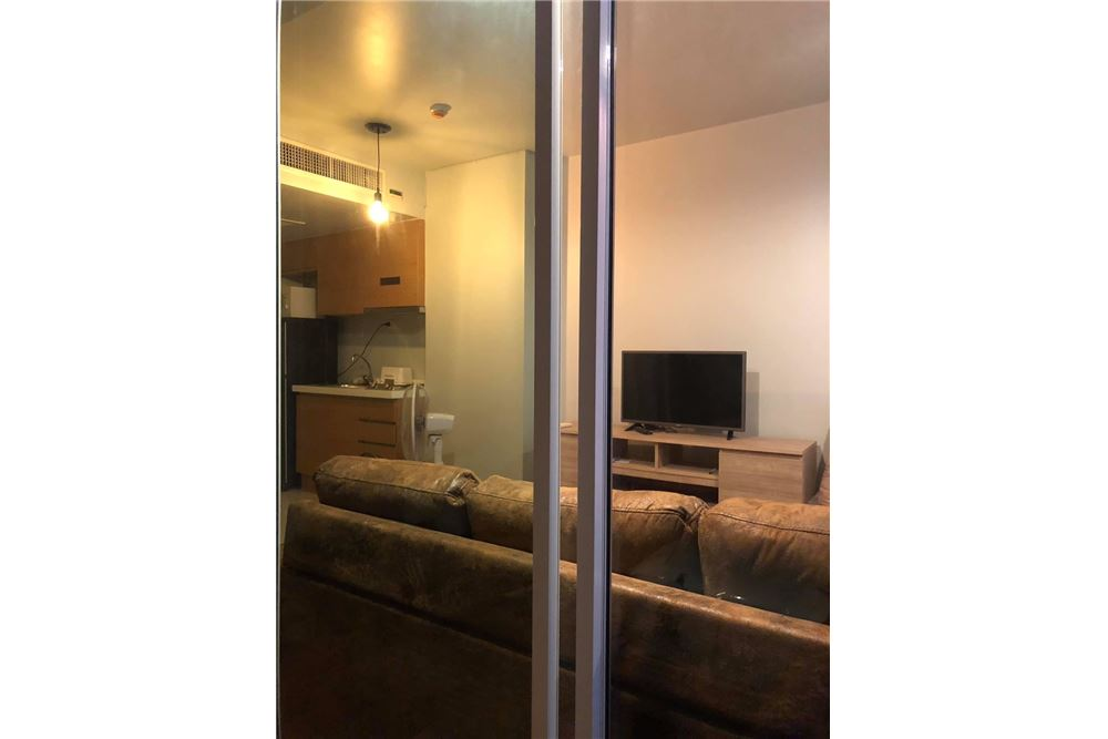 RE/MAX Properties Agency's 1 Bed for rent at 20K!! 6