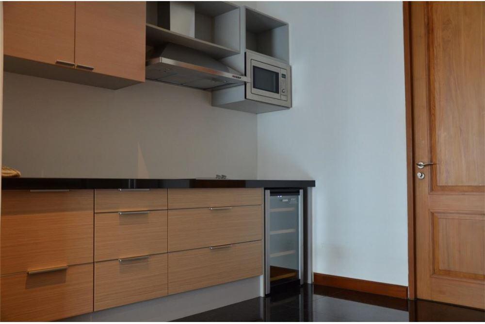 RE/MAX Properties Agency's FOR SALE  LE  RAFFINE SUKHUMVIT 39   2BED 237SQM 9