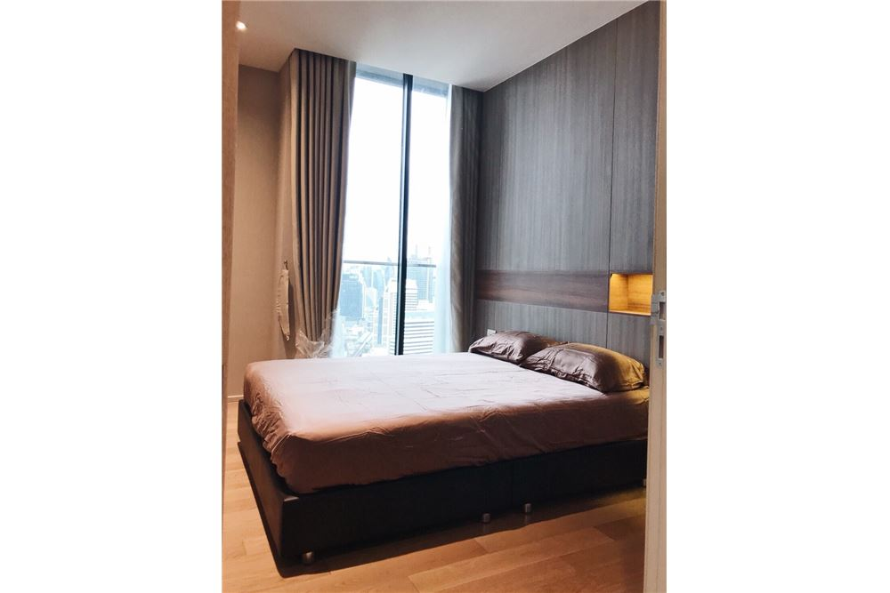 RE/MAX Properties Agency's 2 Beds /82Sqm./100,000/BTS Ploenchit 4