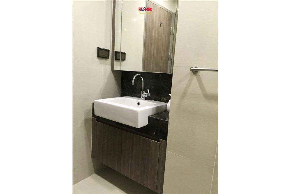 RE/MAX Executive Homes Agency's 1 BEDROOM FOR RENT ART @ THONGLOR 9