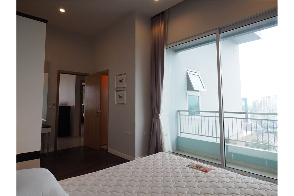 RE/MAX Properties Agency's RENT Circle Condominium 3BED 176.09SQM. 9